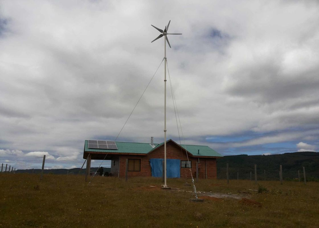 High Wind Protection Solar Wind Hybrid Grid Tie System , Home Solar Wind Power Systems
