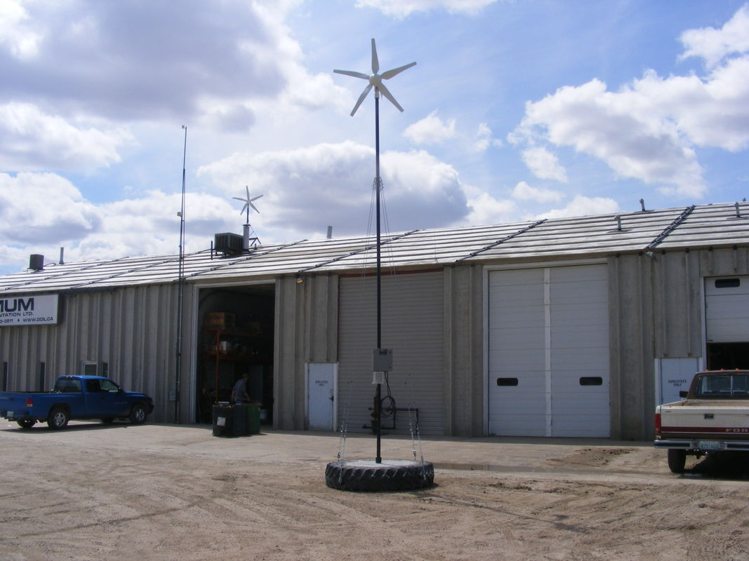 Low Noise 3kw Mini On Grid Wind Turbine Generator For Rooftop Mounting